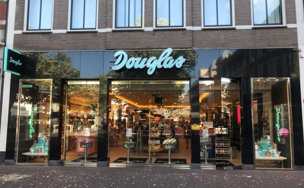 Douglas etalages